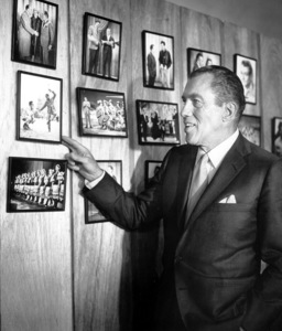 Ed SullivanAnniversary Show, CBS studios, 1960.**I.V. - Image 0441_0159