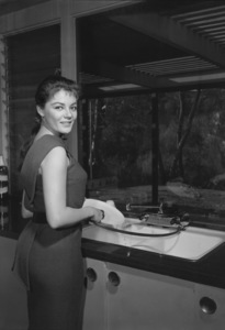 Sheree North for Dishmaster advertisement1957 © 1978 Sid Avery - Image 0503_0008