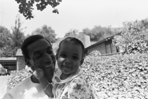 Bill Cosby at home with his daughter Erika1966 © 1978 Gunther - Image 0506_0575