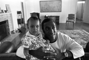 Bill Cosby at home with his daughter Erika1966 © 1978 Gunther - Image 0506_0577