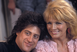 Angie Dickinson and Richard Lewis1990 © 1990 Gunther - Image 0512_0070