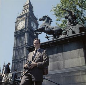 Charlton Heston in front of Big Ben in Londoncirca 1950s © 1978 Paul Hesse - Image 0527_0486