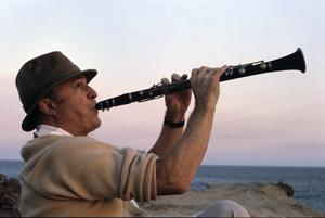 """Gene Kelly on location for """"Xanadu""""1980 © 1980 Larry Barbier - Image 0538_0443"""