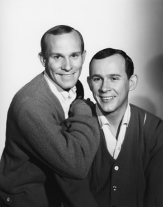 """""""The Smothers Brothers Show""""Tom Smothers, Dick Smotherscirca 1965Photo by Gabi Rona - Image 0572_0136"""