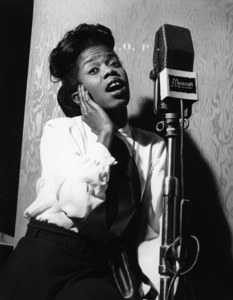 Sarah Vaughan in the recording studiocirca 1940s** I.V.M. - Image 0578_0014