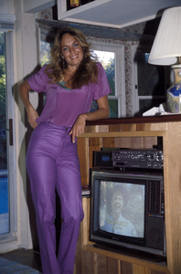 Catherine Bach at home1981 © 1981 David Sutton - Image 0585_0004