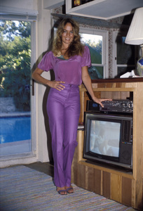 Catherine Bach at home1981 © 1981 David Sutton - Image 0585_0008