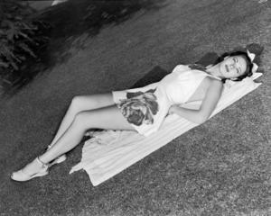 Yvonne De Carlo circa 1946** I.V. / M.T. - Image 0596_0077