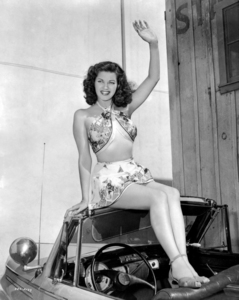 Yvonne De Carlo circa 1947** I.V. / M.T. - Image 0596_0081