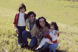 Jamie Farr and his wife Joy Ann Richards with their children Jonas and Yvonne1974** H.L. - Image 0608_0028