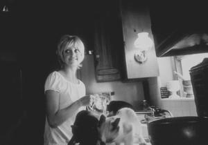 Goldie Hawn at home, 1969. © 1978 GuntherMPTV - Image 0616_0059