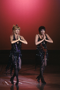 Goldie Hawn and Liza Minnelli performing on a television special1979© 1979 Gunther - Image 0616_0153