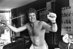 David Hasselhoff working out at home1983 © 1983 Gunther - Image 0619_0012
