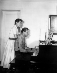 William Holden with wife Brenda1949 Paramount / **I.V. - Image 0623_0157