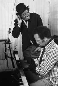Michael Jackson and Quincy Jones composing songs in a Los Angeles recording studio 1979 © 2009 Bobby Holland - Image 0628_0112
