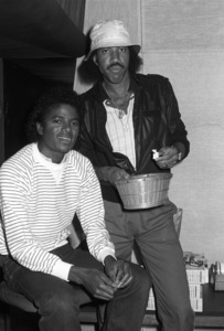 Michael Jackson and Lionel Richie composing and recording at Lion Share Recording Studios in Los Angeles 1985 © 2009 Bobby Holland - Image 0628_0117