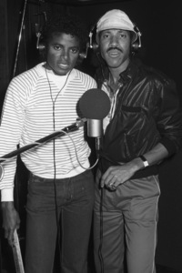 Michael Jackson and Lionel Richie composing and recording at Lion Share Recording Studios in Los Angeles 1985 © 2009 Bobby Holland - Image 0628_0118