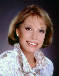 Mary Tyler Moorecirca 1983** H.L. - Image 0645_0100