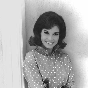 Mary Tyler Moore1969**I.V. - Image 0645_0119