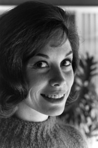 Mary Tyler Moore at homecirca 1965© 1978 Gunther - Image 0645_0155