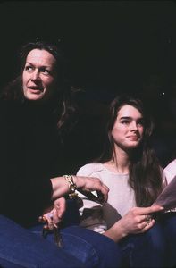 Brooke Shields with mom, Teri,at rehearsal for a Bob Hope special © 1981 Gunther - Image 0656_0197