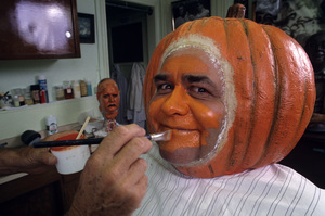 """Jonathan Winters getting made up for """"Walt Disney"""