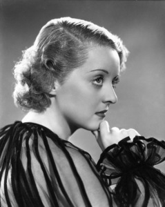 Bette Davisc. 1933 - Image 0701_0044