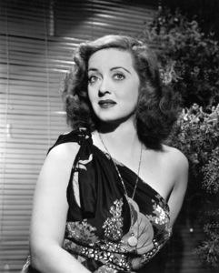 """Bette Davis publicity shot for """"Mr Skeffington,"""" 1944Photo by Bert Six - Image 0701_0348"""