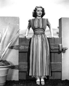 Bette Davis, 1938. - Image 0701_0727