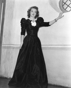 "Bette Davis publicity photofor ""Dark Victory,"" 1939.Photo by Scotty Welbourne - Image 0701_1005"