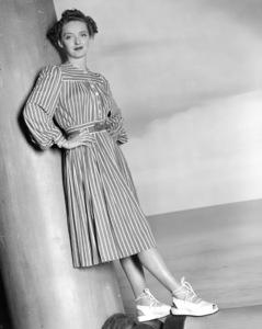 "Bette Davis publicity photofor ""The Old Maid.""1939 / Warner - Image 0701_1007"