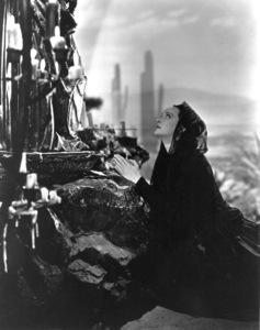 "Bette Davis in characterfor ""Juarez"" 1939. - Image 0701_1247"