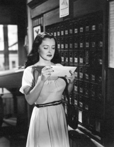 """Bette Davis in""""Beyond The Forest,"""" 1949. - Image 0701_1267"""