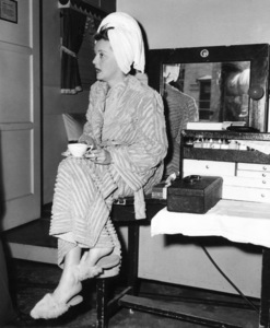 "Bette Davis between scenes whlefilming ""A Stolen Life,"" 1946. - Image 0701_1271"