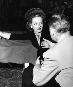"""Bette Davis, Robert Montgomerybehind the scenes of """"June Bride,"""" 1948. - Image 0701_1287"""