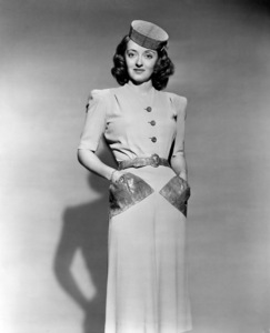 """Bette DavisPublicity photo for """"The Bride Came C.O.D."""" 1941.Photo by Scotty Welbourne - Image 0701_1333"""