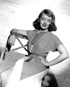 "Bette Davispublicity for ""The Bride Came C.O.D.""June 24, 1941. - Image 0701_2000"