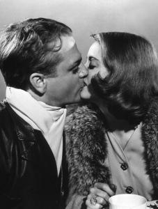 "Bette Davis, James Cagney""The Bride Came C.O.D.""1941 / WarnerPhoto by Bert Six - Image 0701_2153"