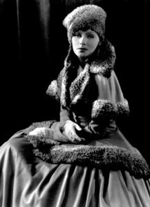 Greta GarboMGMRomance (1930)Photo by George Hurrell0021310 - Image 0702_0310