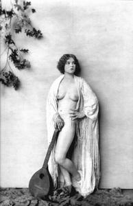 Clara Bowcirca 1923Photo by Alfred Cheney Johnston**I.V. - Image 0704_0426
