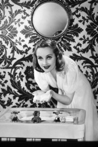Carole Lombard in a Lux Soap advertisement © 1939 John Engstead - Image 0705_0715