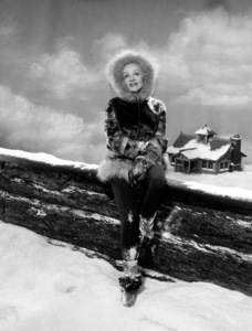 Marlene Dietrich, c. 1960. © 1978 Paul Hesse - Image 0709_0010