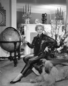 Marlene Dietrich circa 1955 © 1978 Paul Hesse - Image 0709_0019