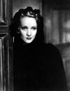 Marlene Dietrich, c. 1933. - Image 0709_0053