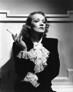 Marlene Dietrich, c. 1932.**R.C. - Image 0709_1097