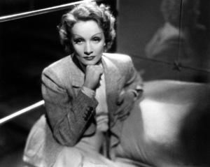 Marlene Dietrich, 1935.**R.C. - Image 0709_1909