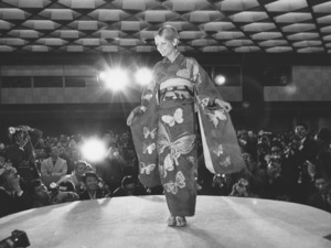 Twiggy During a fashion show in Osaka,JapanOctober 21,1967 - Image 0710_0044