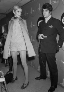 Twiggy and Justin de VilleneuveIn New York 1967 - Image 0710_0061