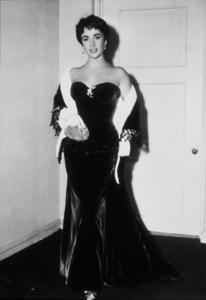 Elizabeth TaylorC. 1954MPTV - Image 0712_0037