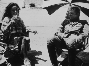 "Elizabeth Taylor visits Richard Burtonon location for ""Raid On Rommel""1971**R.C.MPTV - Image 0712_0095"